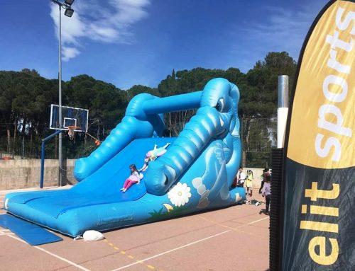 Diada lúdica amb 8 inflables a l'escola Hatikva de Valldoreix